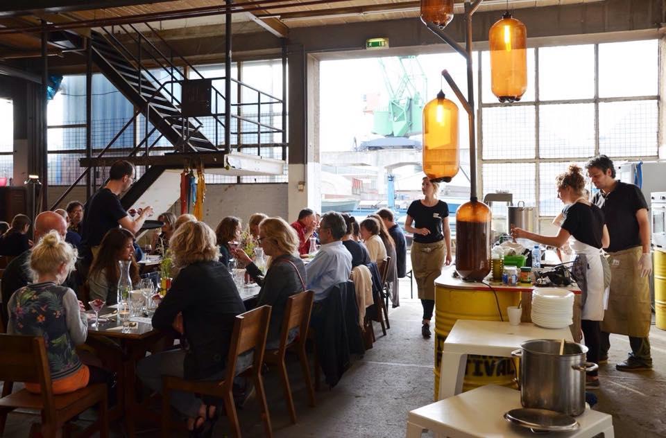 Restaurant Restwaardens tafelschikking sfeer